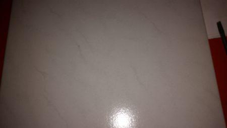 Bodenfliesen 330×330 hellgrau meliert