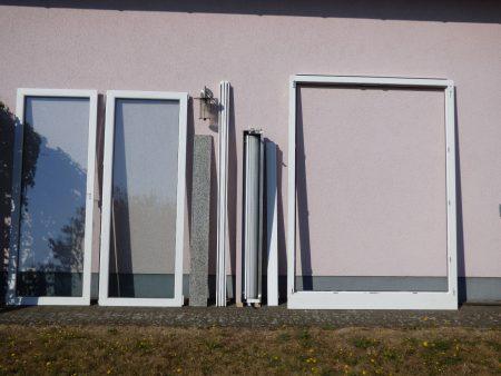 PVC Fenstertür 2-flügelig + Französischer Balkon + Alu Fensterbänke