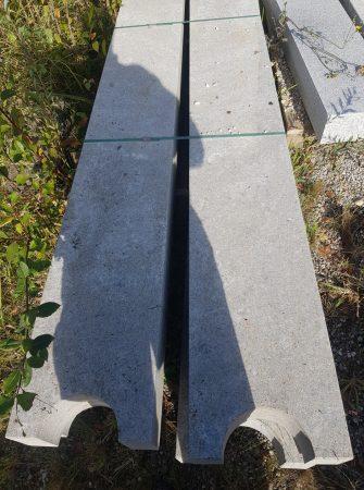 4 Säulen aus Muschelkalk