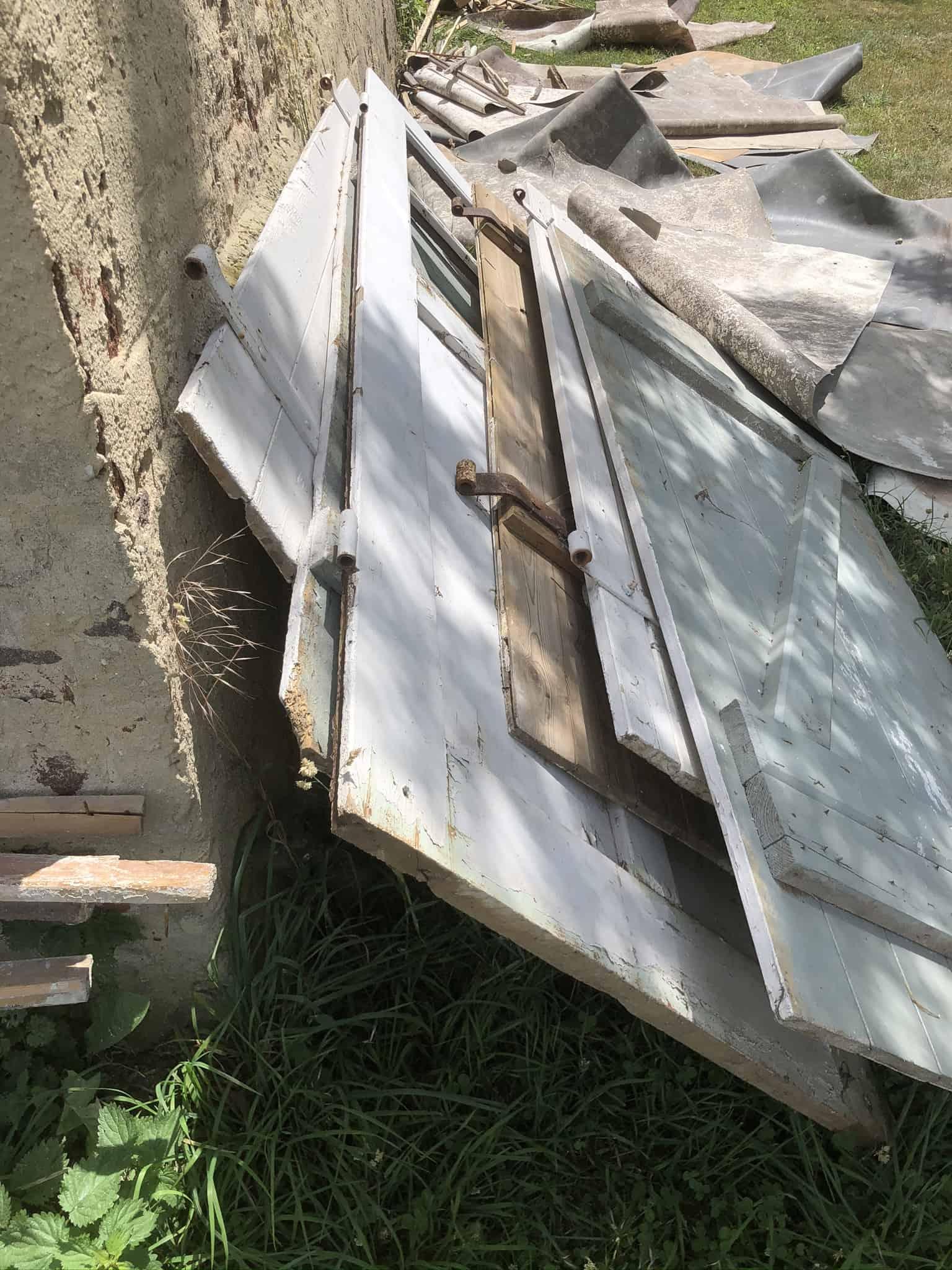 Alte Stalltüren aus Holz