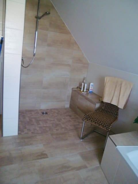 hochwertige angeschliffene feinsteinzeug fliesen in natursteinoptik warmer beige ton g nstig. Black Bedroom Furniture Sets. Home Design Ideas