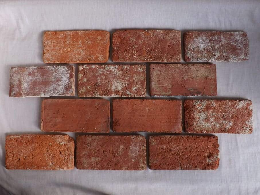 Bodenziegel Bodenplatten Bodenfliesen Weinkeller Antikziegel alte Mauersteine Backsteine Terracotta Ziegelboden Backstein alte Mauersteine geschnitten Landhaus shabby chic