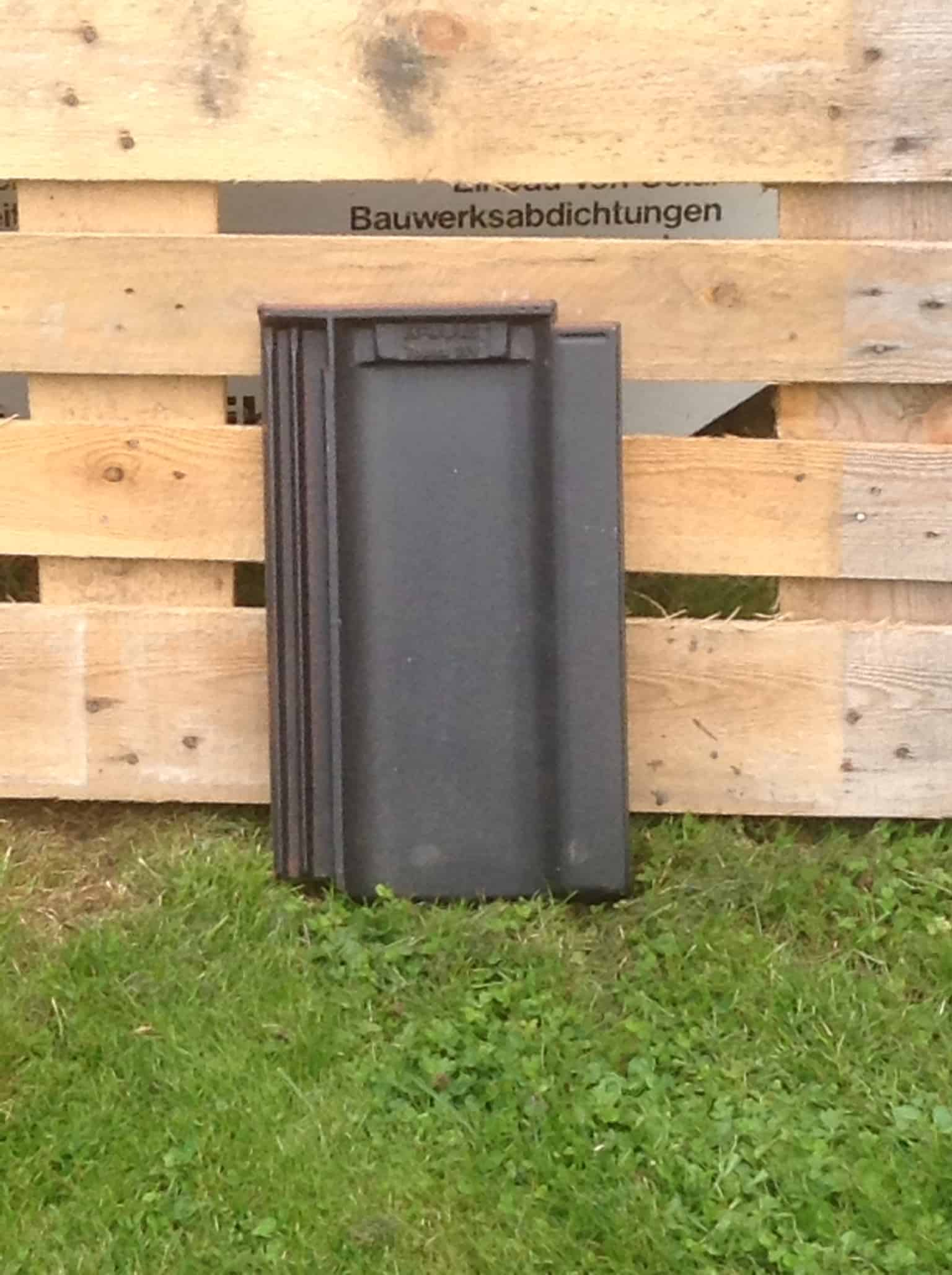 Braas Tonziegel Topas V15 schwarz