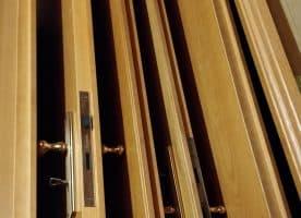 Massiv-Holz Türen / Türzarge / Türblatt