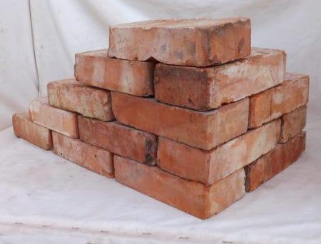 Antikziegel rustikale alte Mauersteine Klinker Backsteine Rückbauziegel historisches Mauerwerk