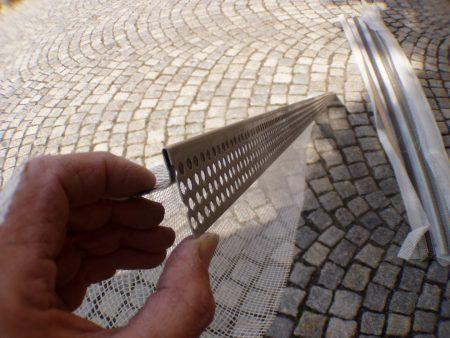 Profile /  Eck- bzw. Sockel Profil Edelstahl zum einhängen in Sockelschine WDVS