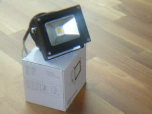 LED Fluter Flutlicht 10W, Warmweiss, 900 lumen, IP65
