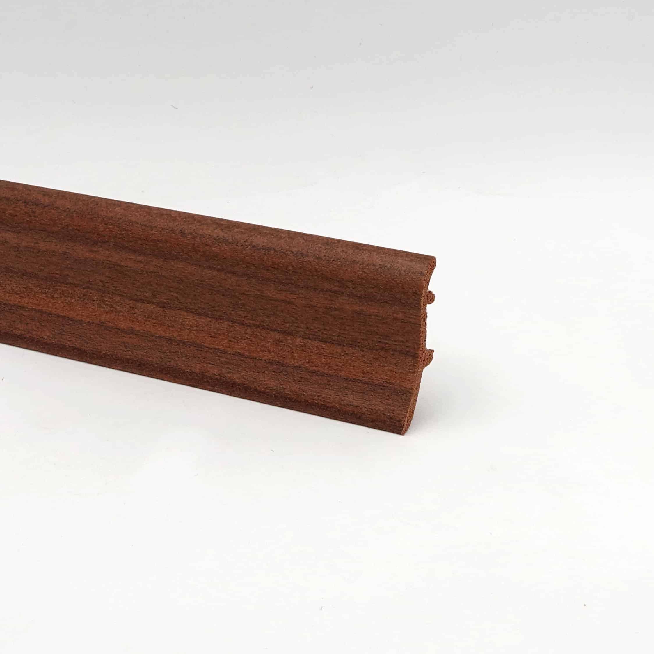 Sockelleiste – Hartschaumleiste in 2,5m Länge