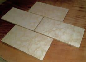24 einhalb Packungen Villeroy&Boch Steinzeugfließen, weiß-creme-gelb-gefleckt