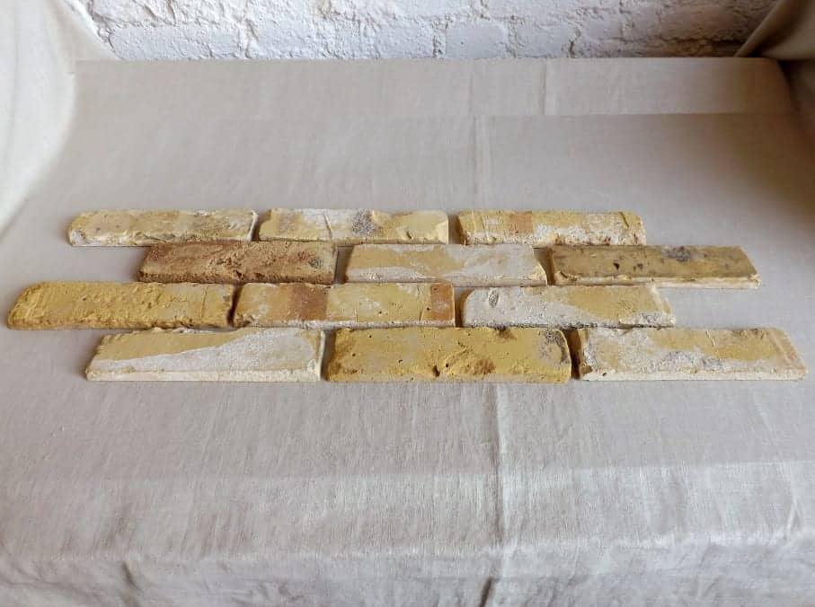 Antikriemchen Steinriemchen wiederverwendeter Mauerstein ökologische Ziegelriemchen Wandpanele Wandgestaltung Wandfliese
