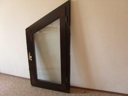 Fenster, Kunststoff, braun, Isolierglas, inklusive Fenstergriff, technisch OK, voll funktionstüchtig