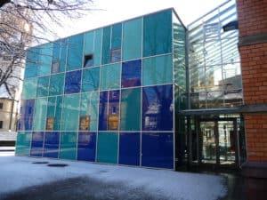 Glas im Bauwesen: Wie hier als Glasfassade