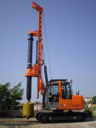 New piling / drilling rig  Tescar CF3