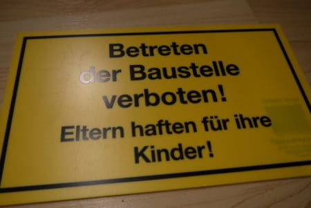Schild – Betreten der Baustelle verboten!