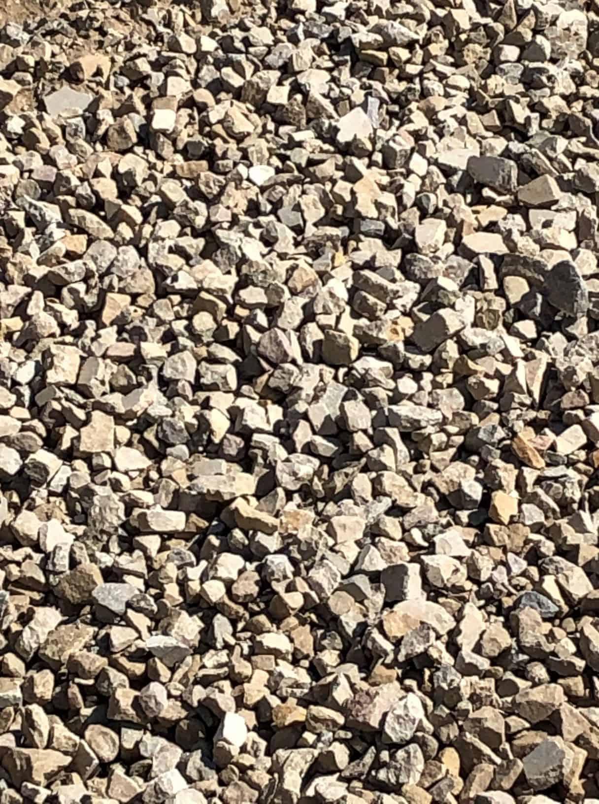Kalkschotter 0 / 90 ( Gemisch aus 70 % Travertin, 15 % Sandstein, 15% Muschelkalkstein )