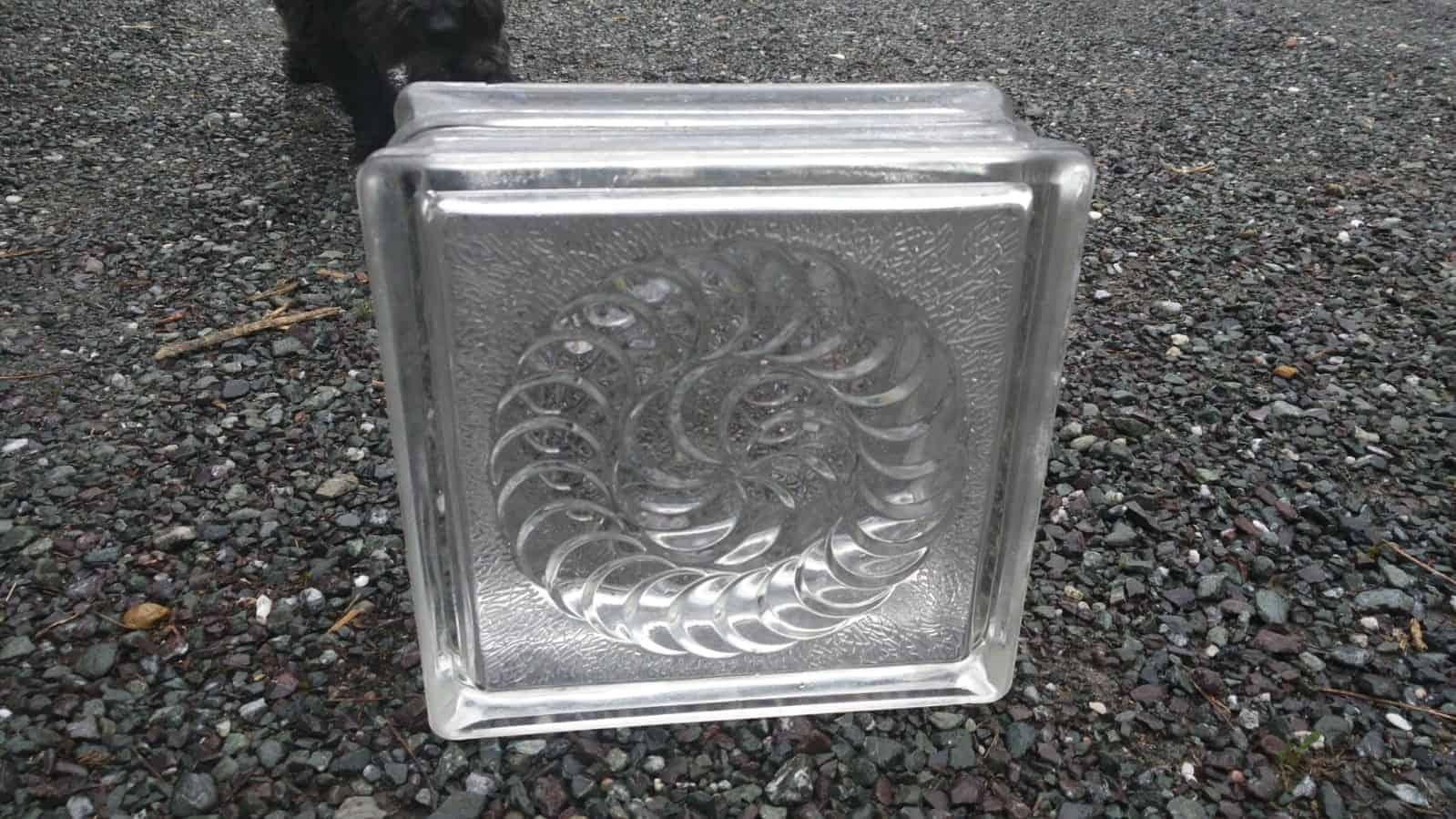 Glasbausteine - Blickfang: schönes Spiral-Motiv - Glassteine
