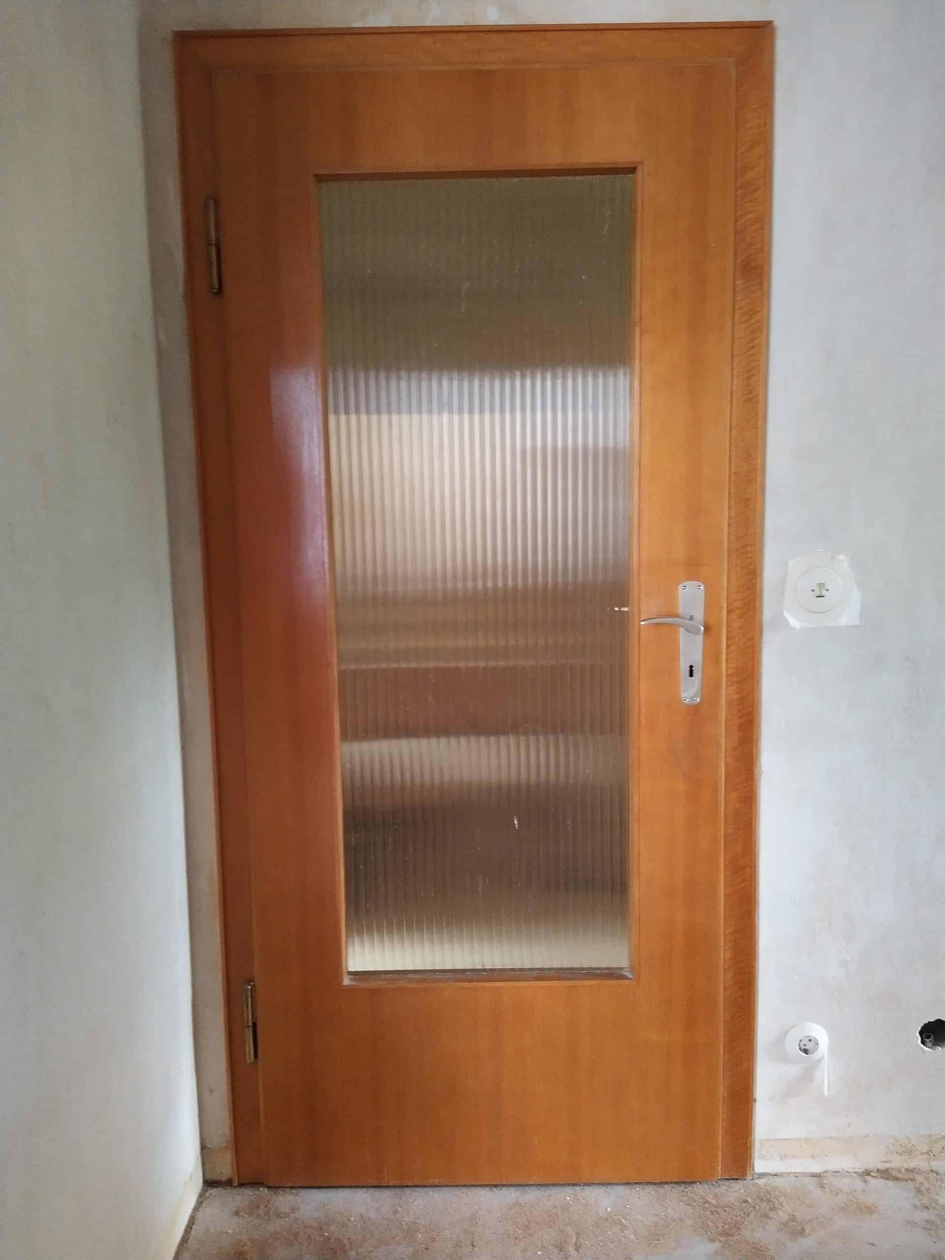 Zimmertür, verglast, Holz natur lackiert (1960er Jahre)